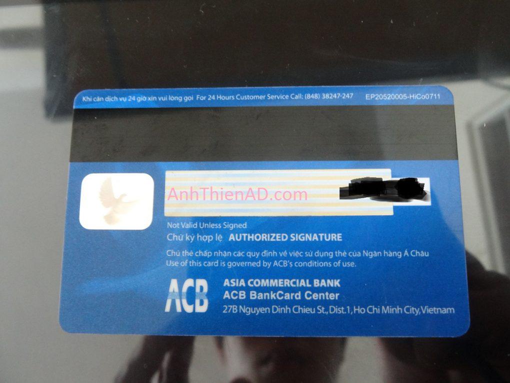 Mặt sau của thẻ (Phần bị bôi đen là 3 số CVV)