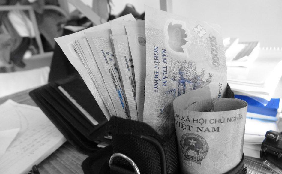 Để làm giàu ở Việt Nam